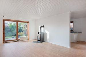 Ein OWNR Bungalow in Poppenbuettel Wohnzimmer