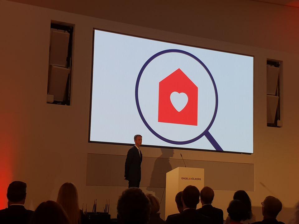 OWNR CEO Nils Kohle gibt eine Keynote